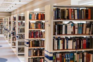 https://pixabay.com/fr/biblioth%C3%A8que-livre-lecture-488690/