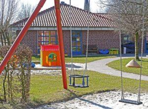https://pixabay.com/fr/jardin-d-enfants-cour-de-r%C3%A9cr%C3%A9ation-1322559/